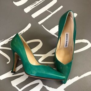 Manolo Blahnik heel size 38 green